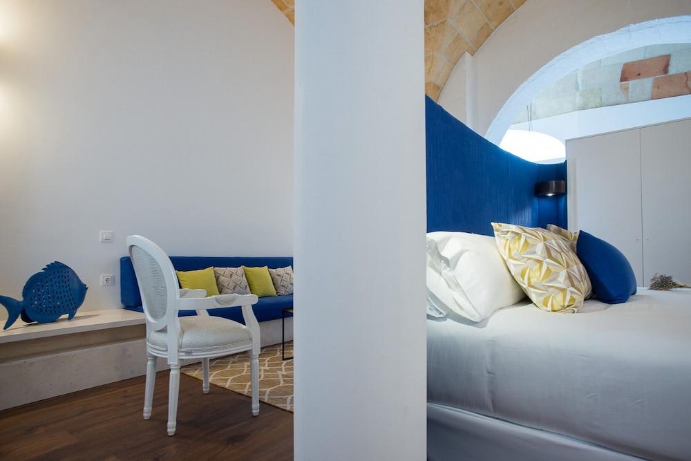 Divina Suites Hotel Boutique, Son Xoriguer, Menorca Image 1