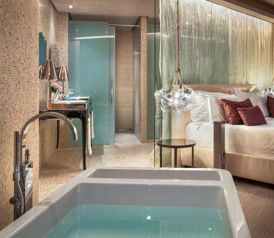 Aguas De Ibiza Grand Luxe Hotel, Santa Eularia Des Riu Image 2