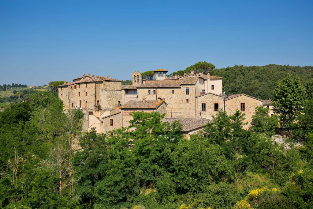 Castel Monastero, Castelnuovo Berardenga Image 1