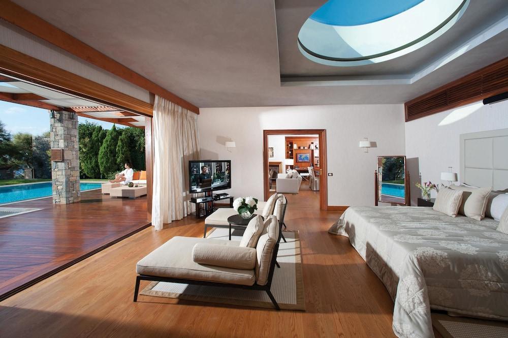 Grand Resort Lagonissi Image 0