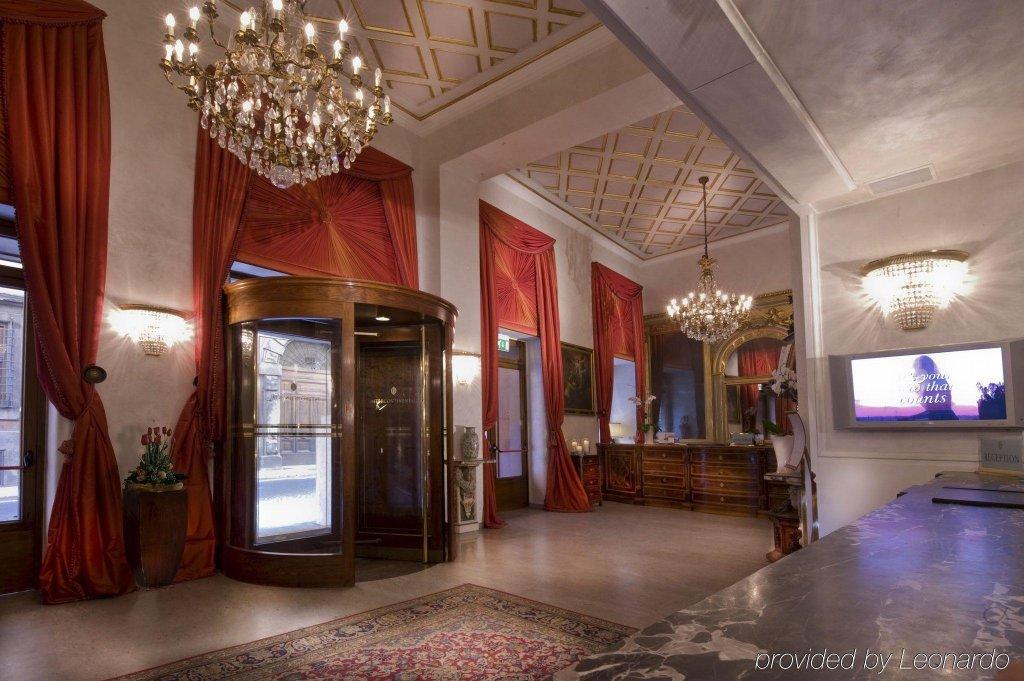 Rocco Forte Hotel De La Ville Image 7