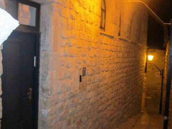Nofesh Baatika, Safed Image 28