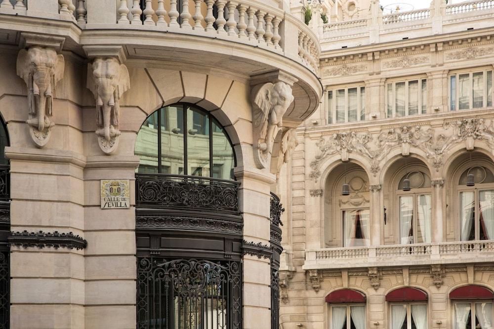 Four Seasons Hotel Madrid Image 44