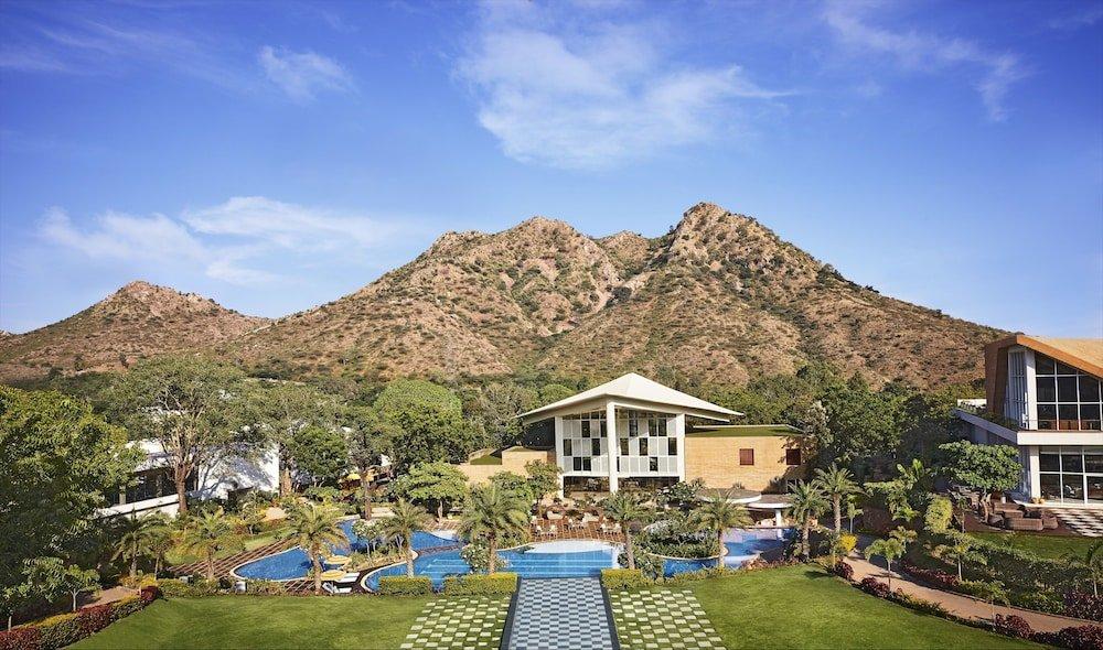 Taj Aravali Resort & Spa Image 10