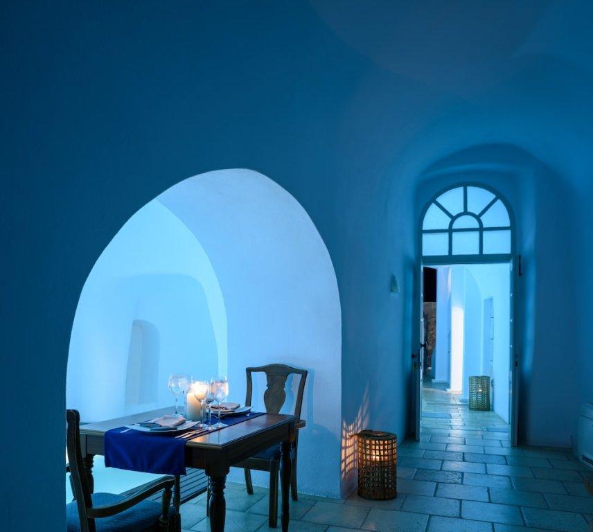 Nefeles Luxury Suites, Fira, Santorini Image 4