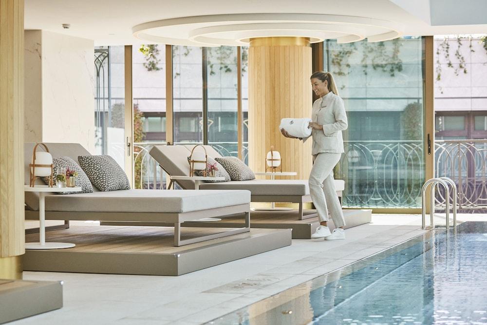Four Seasons Hotel Madrid Image 29