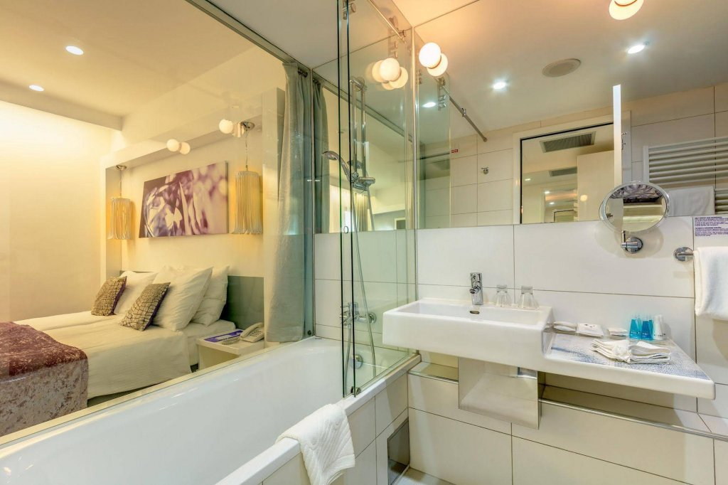 Boutique Hotel Luxe Image 8