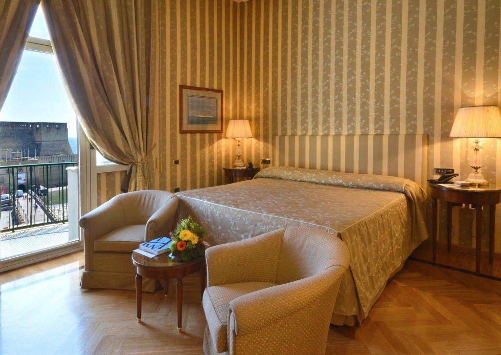 Grand Hotel Vesuvio, Naples Image 6