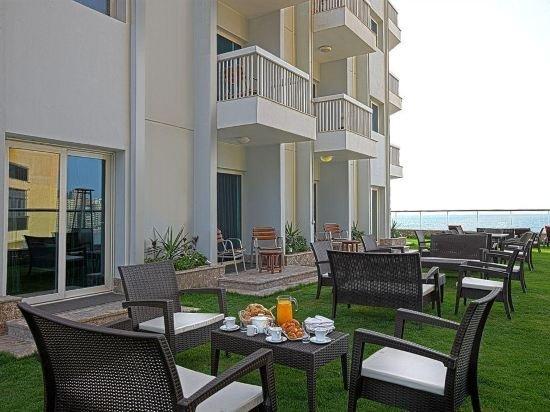 Hilton Alexandria Corniche Image 40