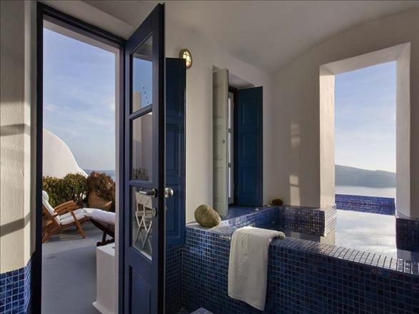 Ikies Santorini Image 8