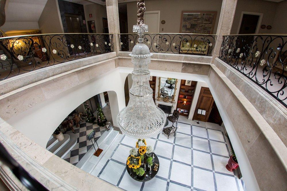 Castillo Del Bosque La Zoreda, Oviedo Image 6