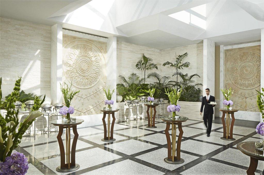 Four Seasons Hotel Mumbai Image 9
