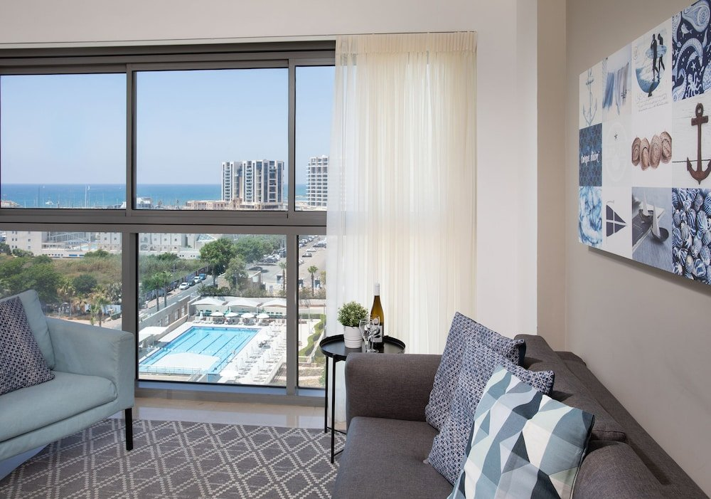 Aparthotel Okeanos On The Beach, Herzliya Image 2