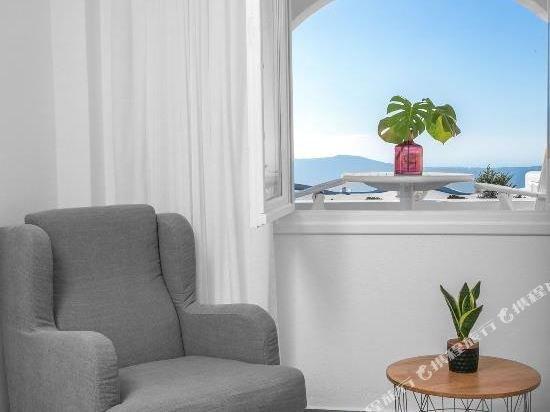 Abelonas Retreat, Santorini Image 8