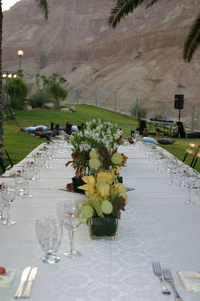 Ein Gedi Kibbutz Hotel Image 10