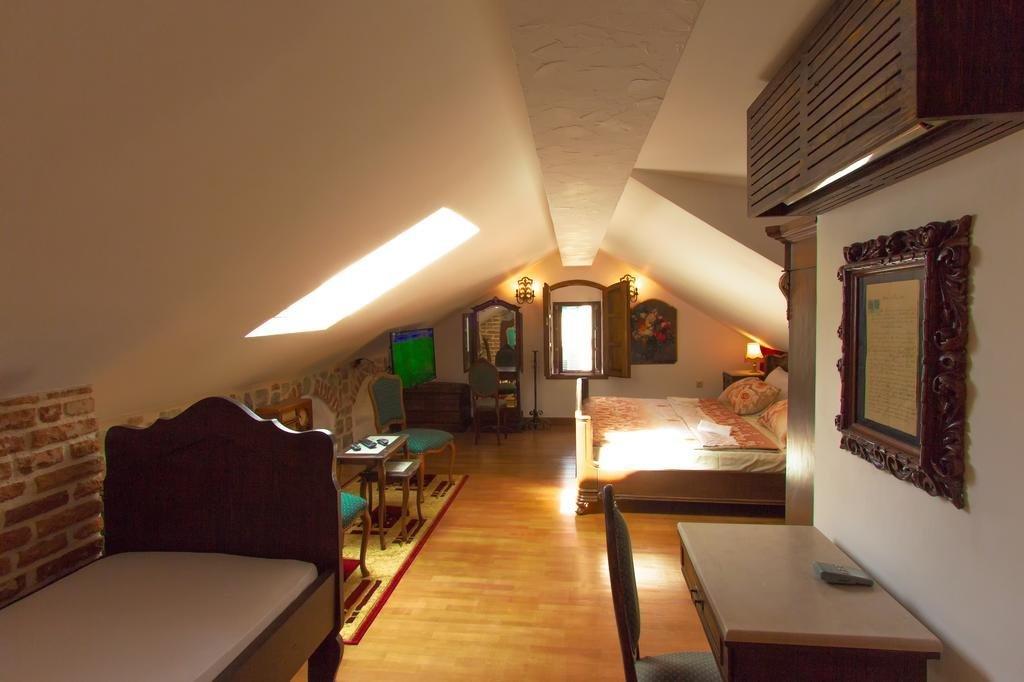 Palazzo Drusko Deluxe Rooms Image 4