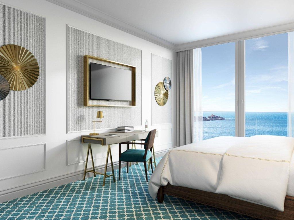 Royal Blue Hotel Image 11