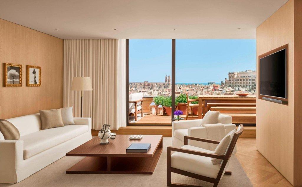 The Barcelona Edition Image 41