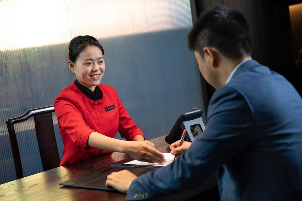 Hualuxe Xian Tanghua, An Ihg Hotel Image 10