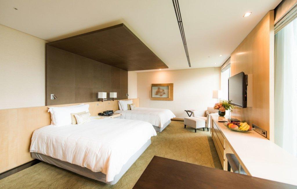 Four Seasons Hotel Tokyo At Marunouchi Image 2