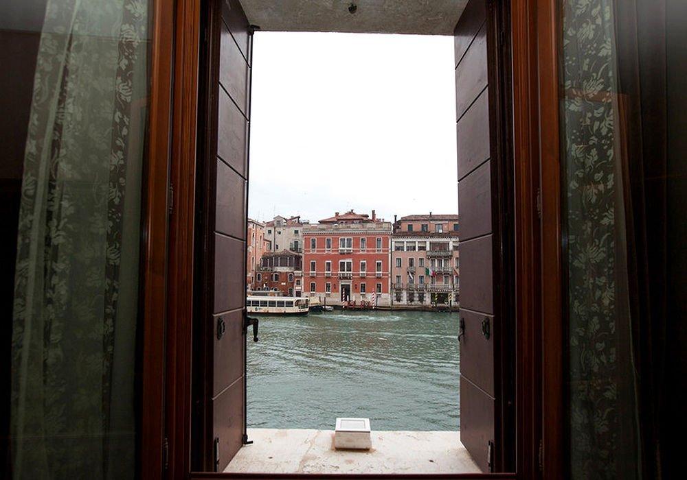 Palazzo Barbarigo Sul Canal Grande, Venice Image 8