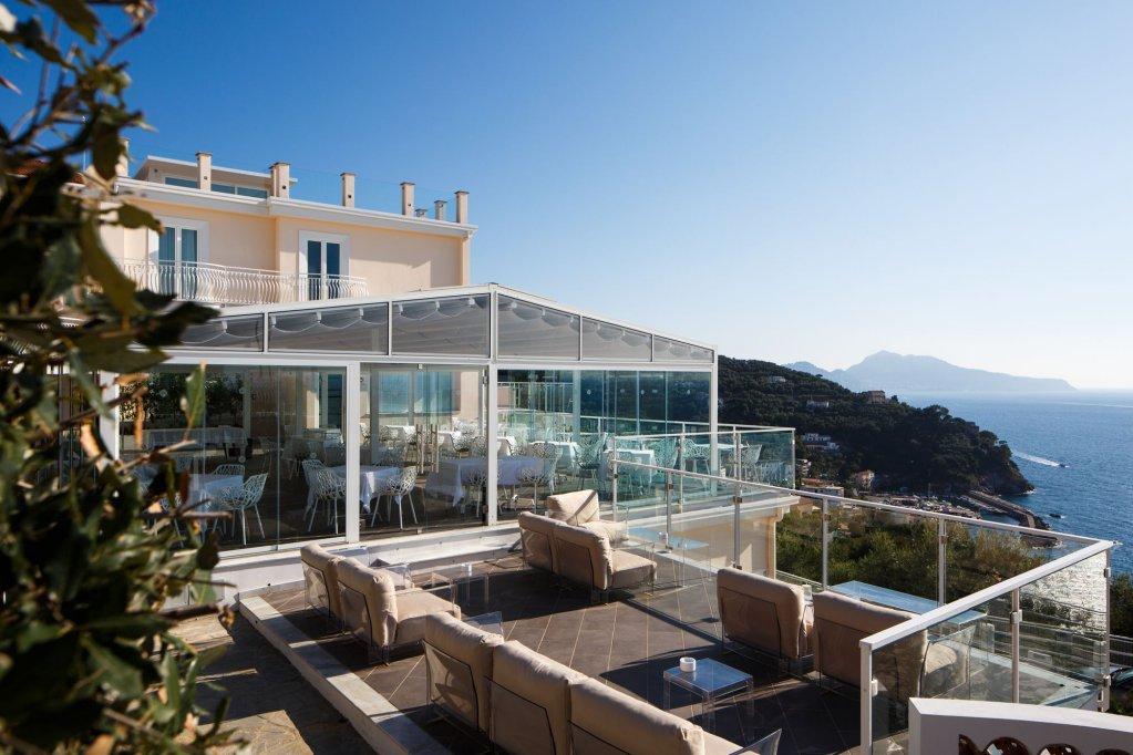 Villa Fiorella Art Hotel, Massa Lubrense Image 2
