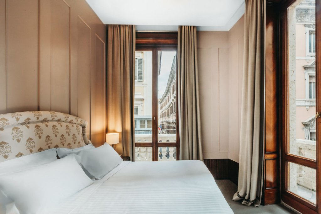 Singer Palace Hotel, Rome Image 0