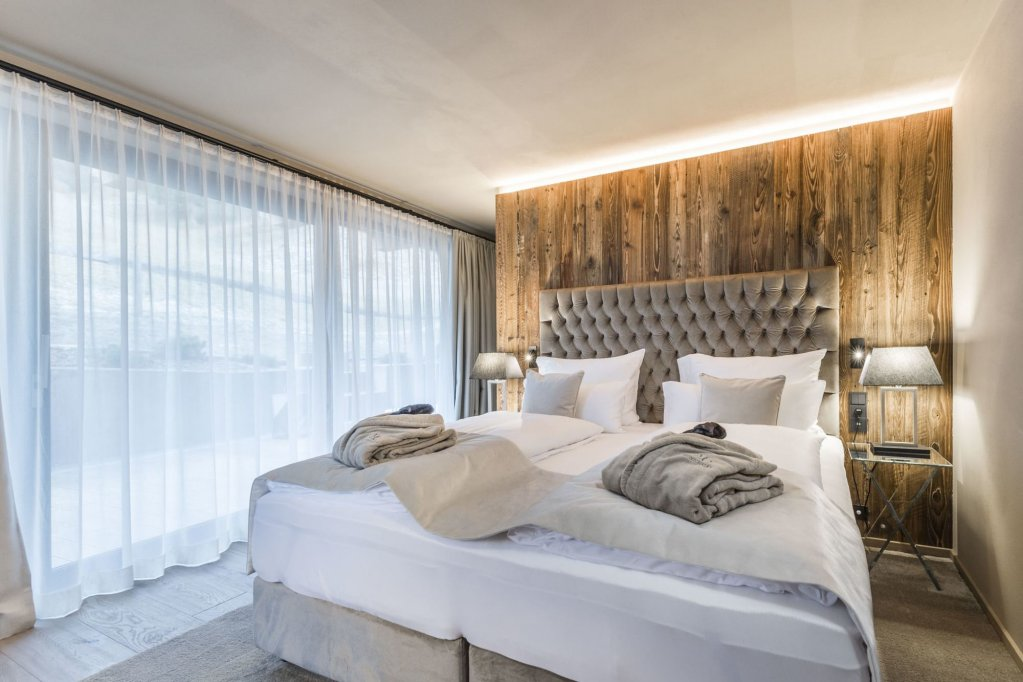 Hotel Montchalet Image 1