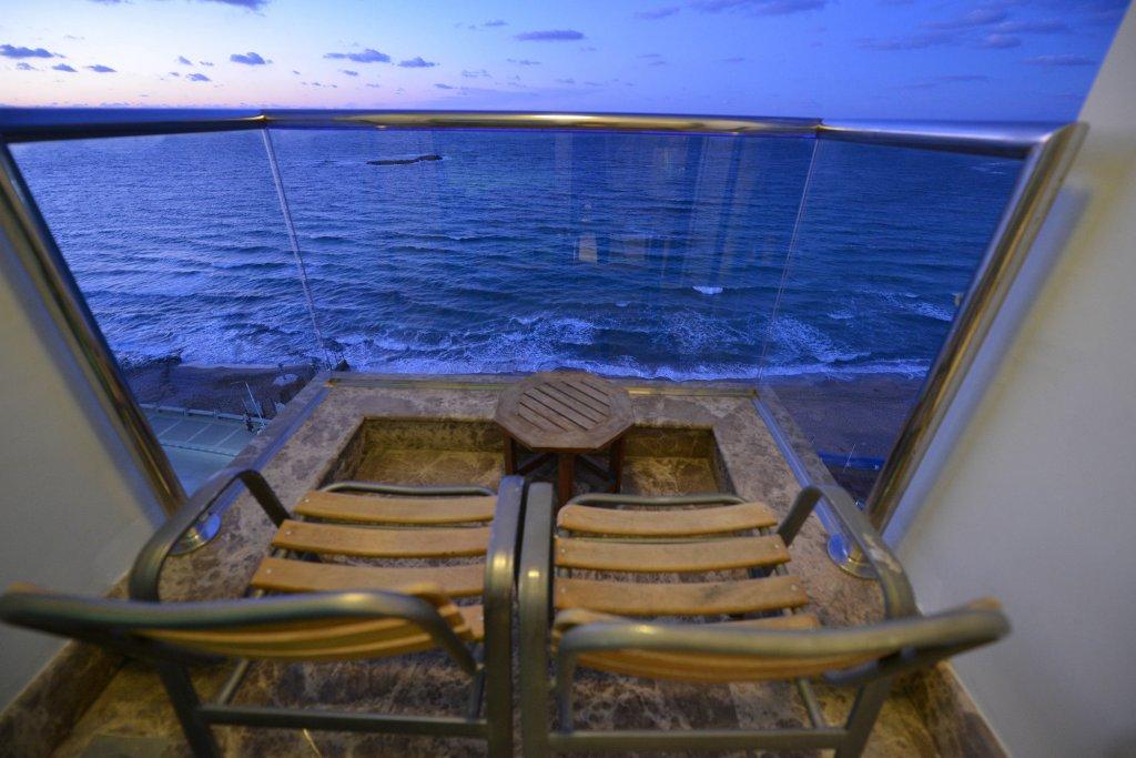 Hilton Alexandria Corniche Image 12