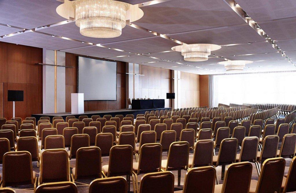 Hilton Athens Image 9