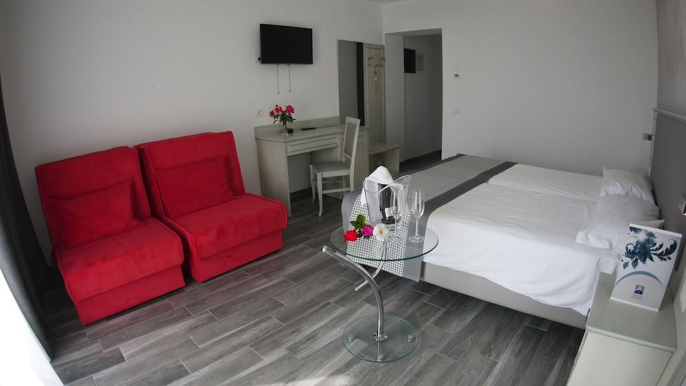 Villa Paradiso Suite, Moniga Del Garda Image 8