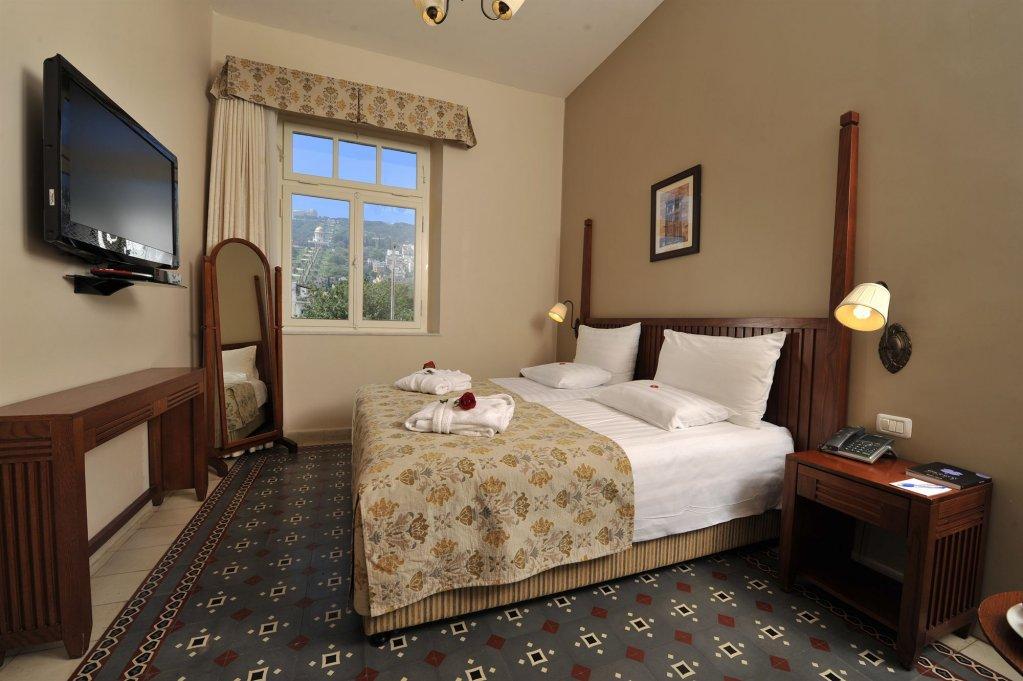 Colony Hotel Haifa Image 11
