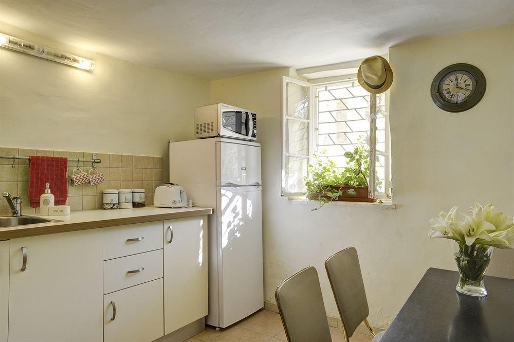 Neve Tzedek Original Style Apartments Image 33