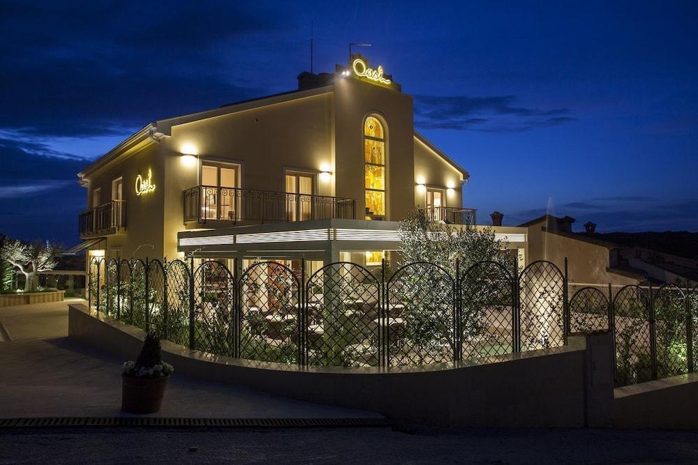 Oasi Boutique Hotel & Restaurant, Pula Image 1
