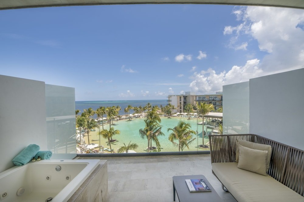 Haven Riviera Cancun Resort & Spa Image 1