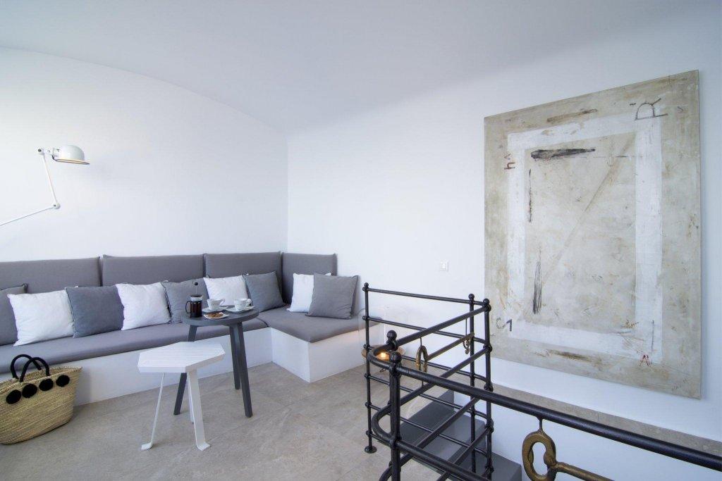 Santorini Secret Suites & Spa Image 4