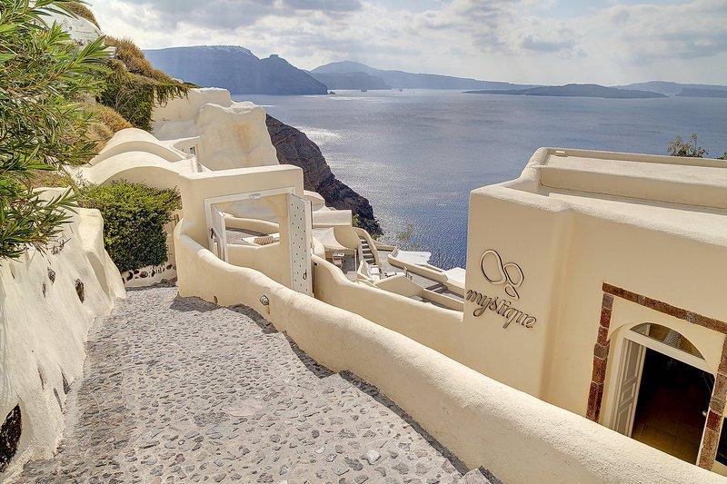 Mystique, A Luxury Collection Hotel, Santorini Image 43