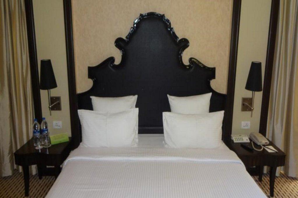 St. Mark's Hotel, Bangalore Image 10
