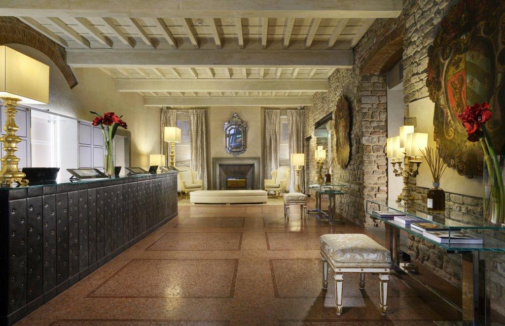 Brunelleschi Hotel, Florence Image 1