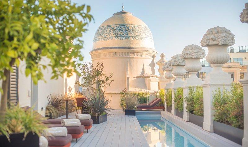 Casagrand Luxury Suites, Barcelona Image 31
