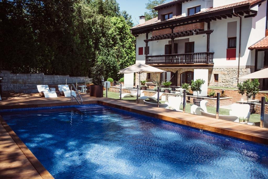 Hotel Cuevas, Santillana Del Mar Image 0