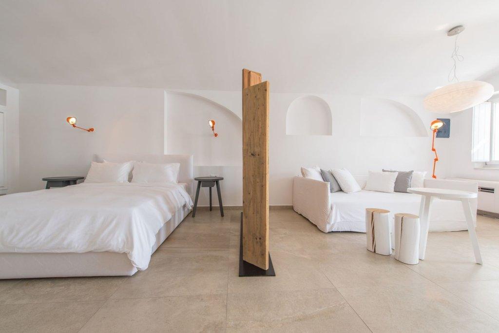 Santorini Secret Suites & Spa Image 5
