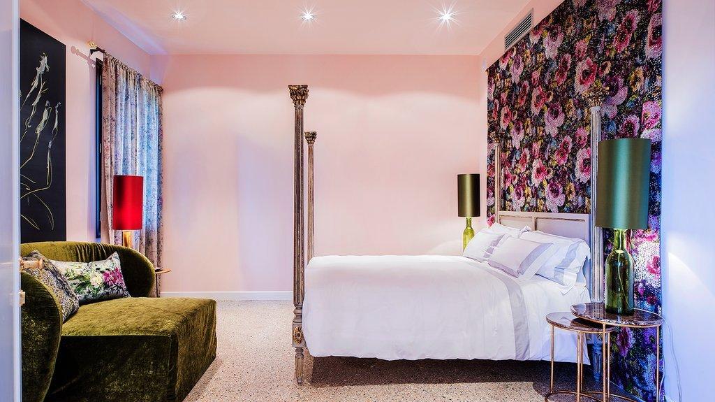 Hotel Heureka, Venice Image 1