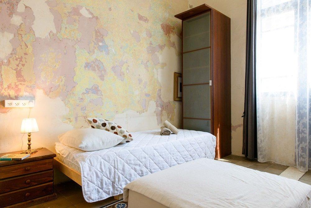 Neve Tzedek Original Style Apartments Image 2