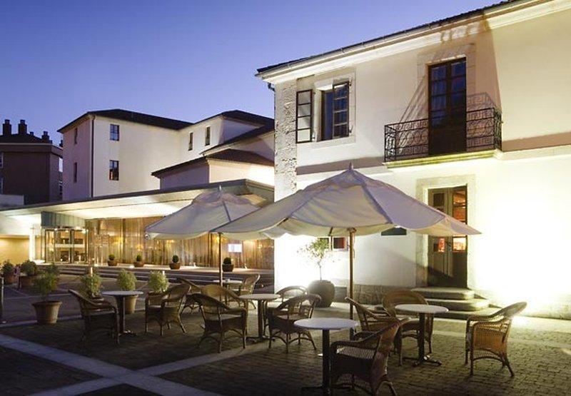 Ac Hotel Palacio Del Carmen, Santiago De Compostela Image 16