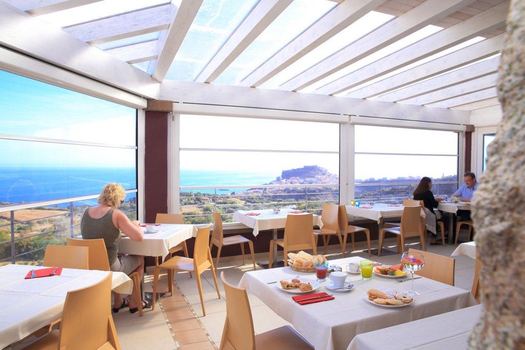 Bajaloglia Resort, Alghero Image 1