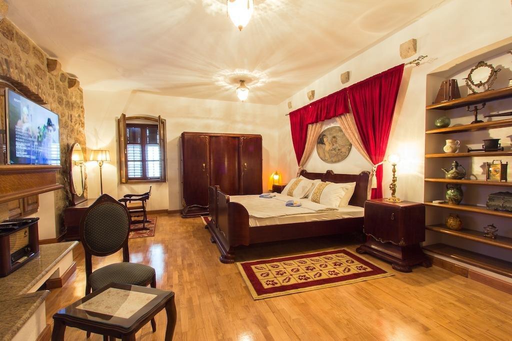 Palazzo Drusko Deluxe Rooms Image 3