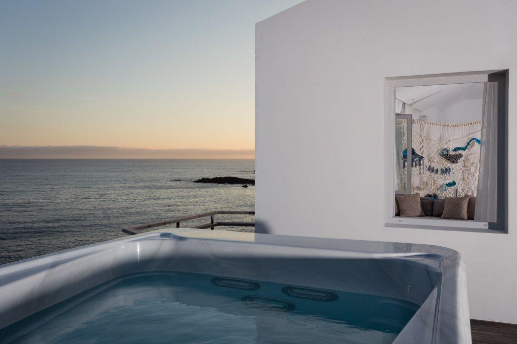 White Exclusive Suites & Villas, Lagoa Image 4