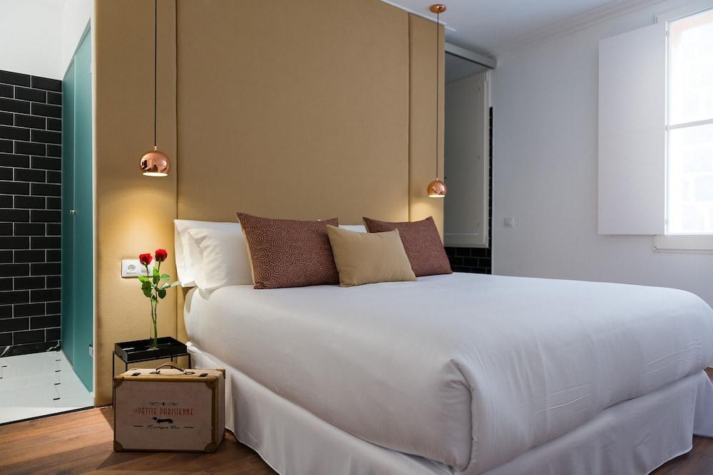 Divina Suites Hotel Boutique, Son Xoriguer, Menorca Image 0