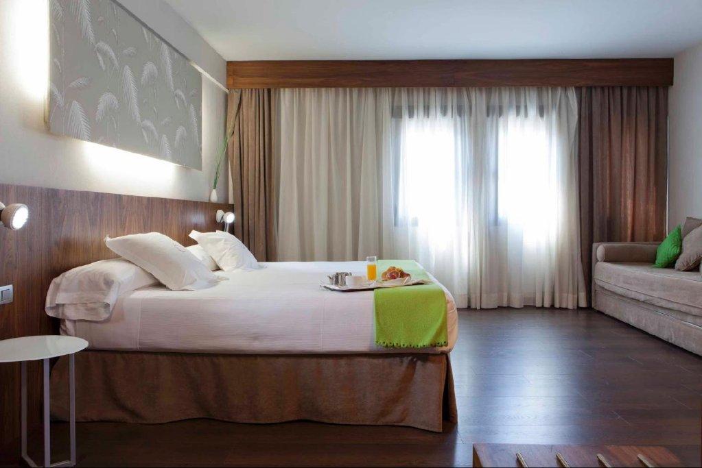 Hotel Opera, Madrid Image 2